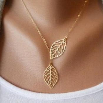 Antique Golden Leaves Clavicle Chain Necklace